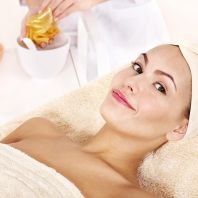 A rejuvenating treatment with liquid gold
